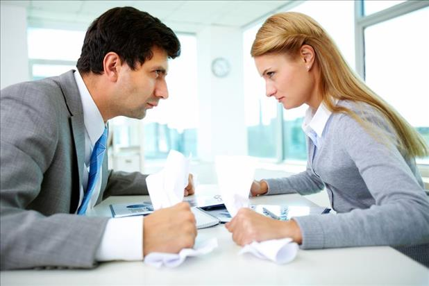 hr and hiring manager disagreeing over whom to hire