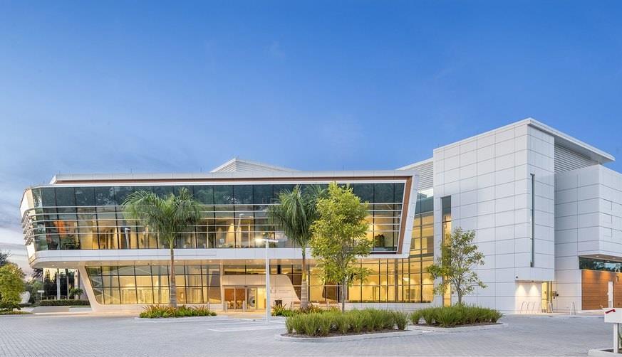 photo of bascom palmer eye institute