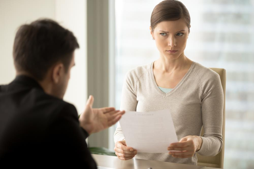 Job seeker hesitating to provide her social security number to HR