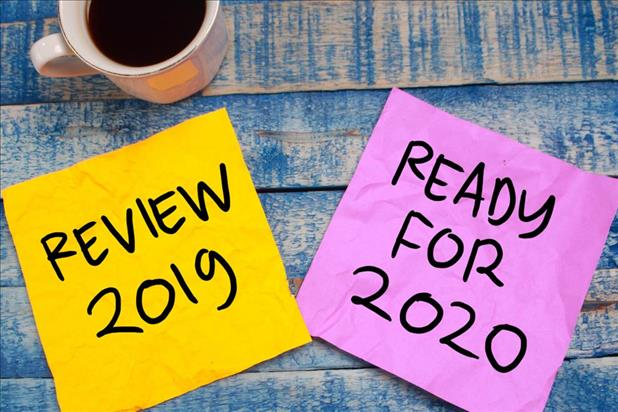 "two sticky notes that say ""review 2019"" and ""ready for 2020"""
