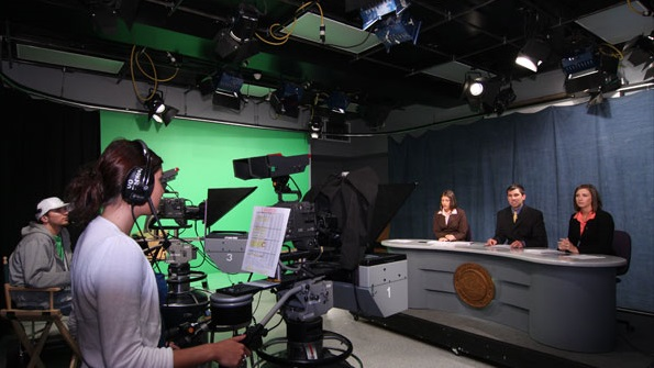how to become a sports broadcaster